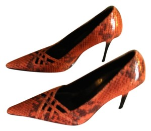 Bandolino Stiletto Coral and Black snakeskin texture Pumps