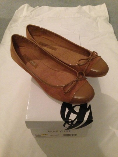 Nine West Patent Leather Preppy Ballet Ballerina Camel Flats