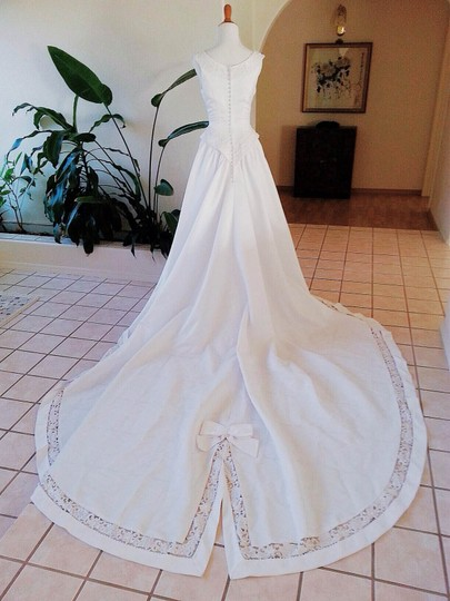 White Satin Me2239lody Traditional Wedding Dress Size 8 (M)