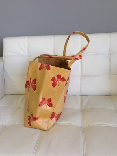 Streets Ahead Tote in Tan/Red Butterfly