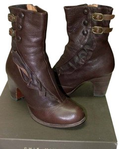 Chie Mihara Leather Ruffle Brown Boots