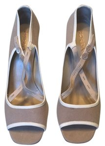 Prada Beige/tan Pumps