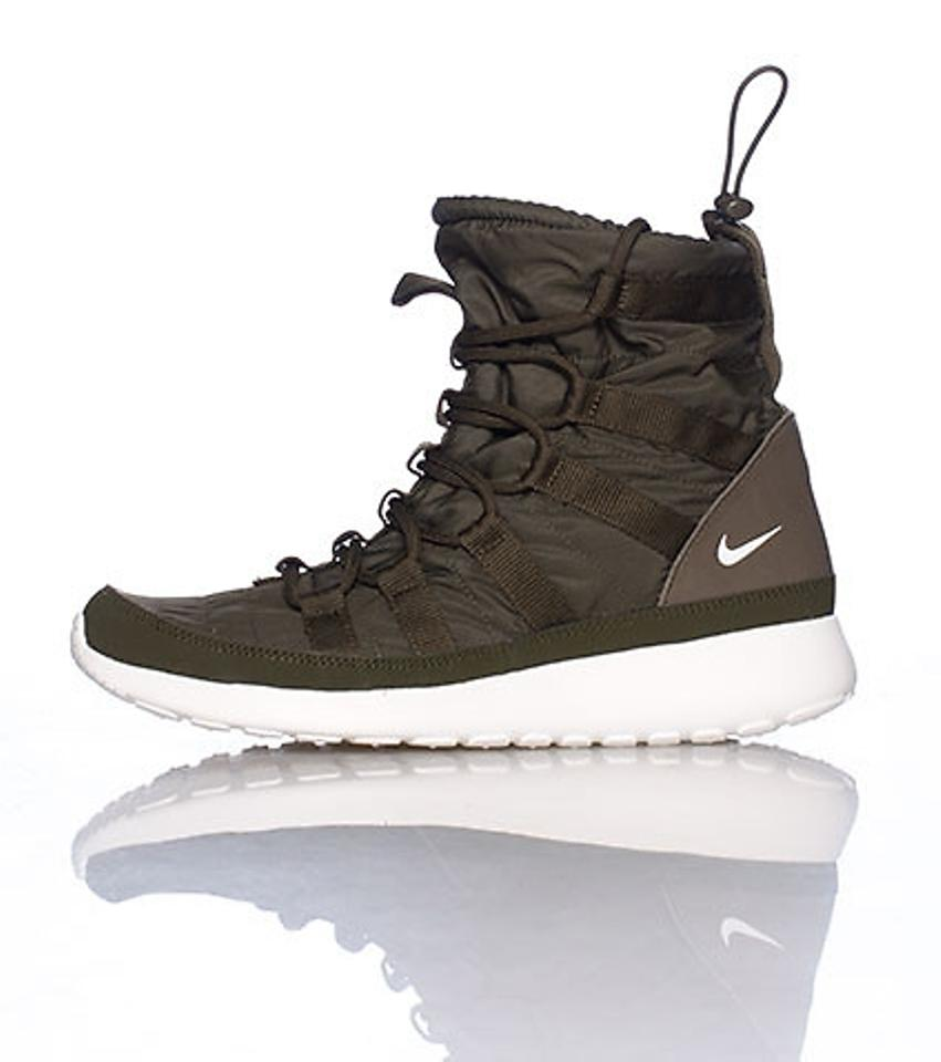 3052d67ce310 Nike Roshe Run Sneakerboot Hi Sherpa Cushioned All Weather Boots Sneaker  Boots Olive Green Athletic Image. 12