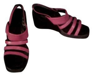 Unisa Cherry Fairly Comfortable Red Mules