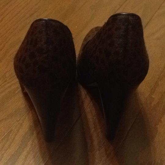 Banana Republic Leopard Pumps