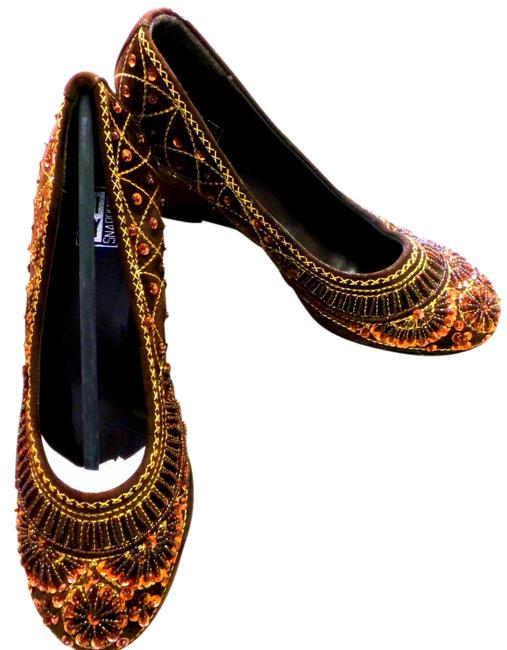 Item - Brown Embroidered and Embellished Wedges Size US 6