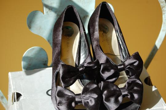 Ann Marino Stiletto Satin Black Pumps