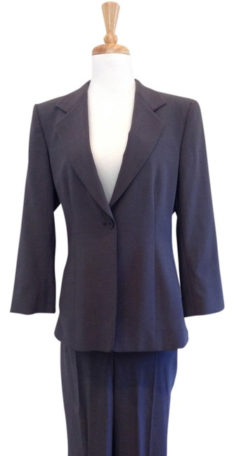 Preload https://item1.tradesy.com/images/armani-collezioni-gray-women-s-pant-suit-size-8-m-783115-0-0.jpg?width=400&height=650