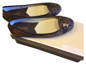 Michael Kors Distressed brown Flats