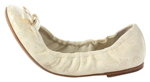 Louis Vuitton Ballerinas Ivory Mahina Leather Lv.ej0904.17 Flats