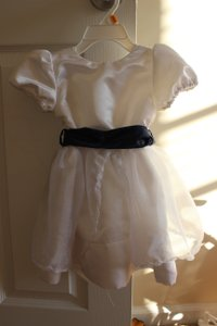 White Custom Made Flower Girl Dress 2t Dress
