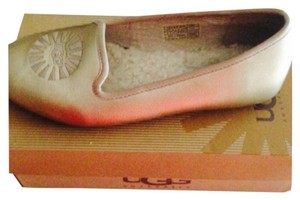 UGG Australia Girls Sheepskin Fall Spring Gold Flats