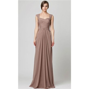 Monique Lhuillier Latte Chiffon Traditional Bridesmaid/Mob Dress Size 10 (M)