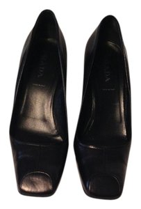 Prada Leather Comfortable Made In Italy Black Leather Pumps