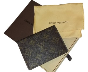 Louis Vuitton LOUIS VUITTON COMPACT WALLET IN MONOGRAM CANVAS