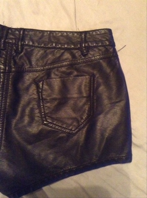 Foreign Exchange Shorts Black