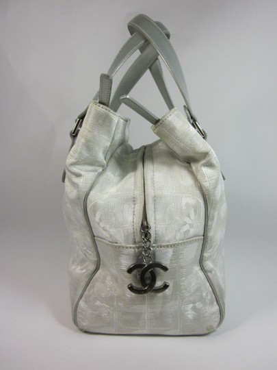 Chanel Cc Logo Leather Bowling Tote in Silver