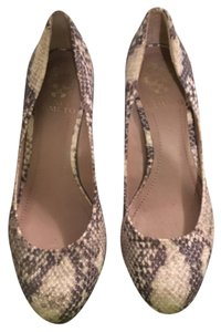 Vince Camuto Pumps