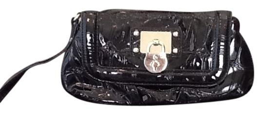 Guess Wristlet in Blk