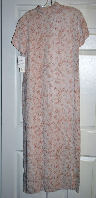 Soft Pink background with Floral Maxi Dress by Jones & company & Co 100% Rayon Shirt Maxi Fully Lined Size 10