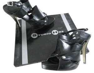 Studio Hd2 Black Pumps