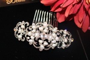 Bella Tiara Romantic Freshwater Pearl Vintage Wedding Hair Comb