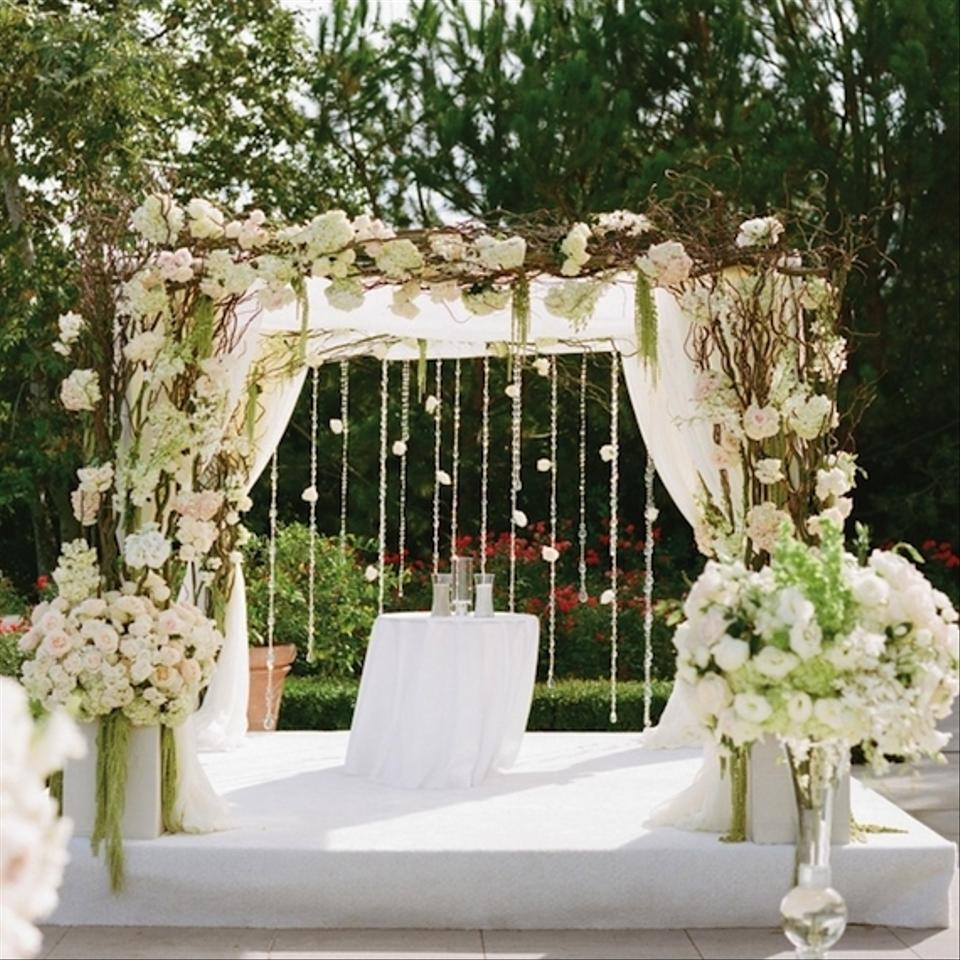 Silver branches wedding decor diy tradesy weddings for Archway decoration
