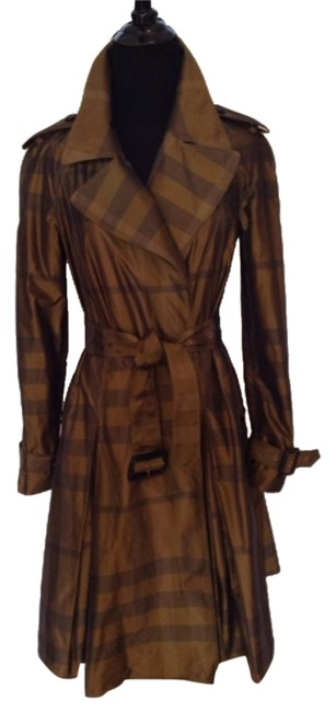 Preload https://img-static.tradesy.com/item/7875829/burberry-browngold-trench-coat-size-4-s-0-1-650-650.jpg