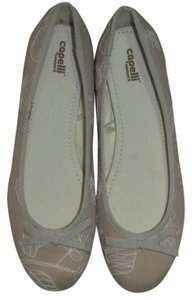 Capelli New York Tan/White Flats