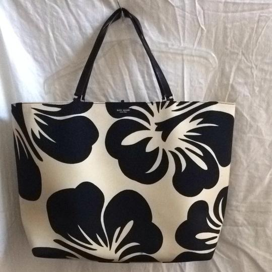 Kate Spade Tory Burch Louis Vuitton Large Beach Shopping Travel Tote in Black Off White