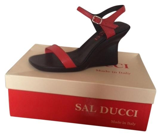 Sal Ducci Black/Red Sandals