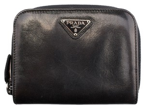 Prada Prada M621 Black Leather Zippered Wallet (57006)