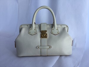 Louis Vuitton Satchel in Ivory/white