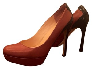 Ivanka Trump Brown/Tobacco Pumps
