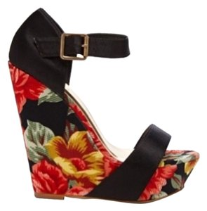 Mixx Shuz Wedge Red Black Floral Wedges