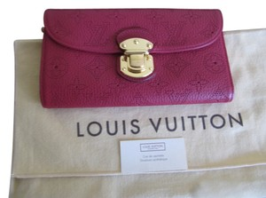 Louis Vuitton LOUIS VUITTON AMELIA WALLET MAHINA LEATHER
