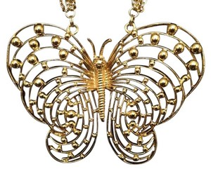 Retro Gold Tone Big Butterfly Statement Necklace Vintage Gold Tone Big Butterfly Statement Necklace