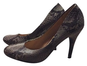 Jessica Simpson Work Classic Snakeskin Comfortable Natural Pumps