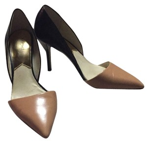 Michael Kors Sexy Chic Two-tone Work Party Black and tan Pumps
