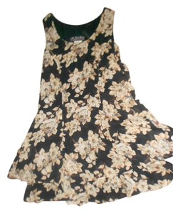 All That Jazz short dress BLACK/CREAM Summer Floral Size 9/10 on Tradesy