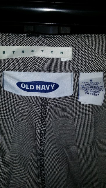 Old Navy 6 Trouser Pants Black and White Pattern