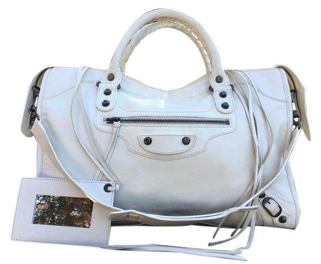 Item - Classic First Off White/Bone Color Lambskin Leather Shoulder Bag
