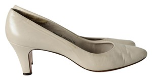 Bally White Leather White Beige Pumps