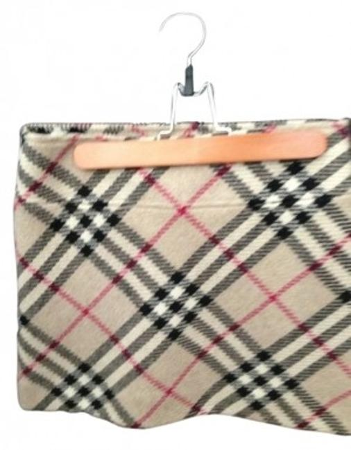 Preload https://img-static.tradesy.com/item/7919/burberry-traditional-plaid-lambswool-miniskirt-size-4-s-27-0-0-650-650.jpg