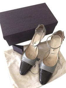 Prada Gray/black Pumps