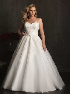 Allure Bridals W320 Wedding Dress