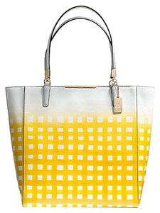 Coach F30120 Tote in LIGHT GOLD/WHITE/SUNGLOW