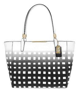 Coach F30118 Tote in LIGHT GOLD/WHITE/BLACK