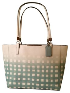 Coach F30118 Tote in SILVER/WHITE/DUCK EGG