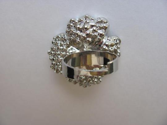 Other NEW SPARKLING FLOWER RING